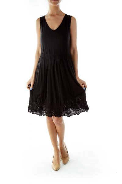Black Round Neck Sleeveless Day Dress