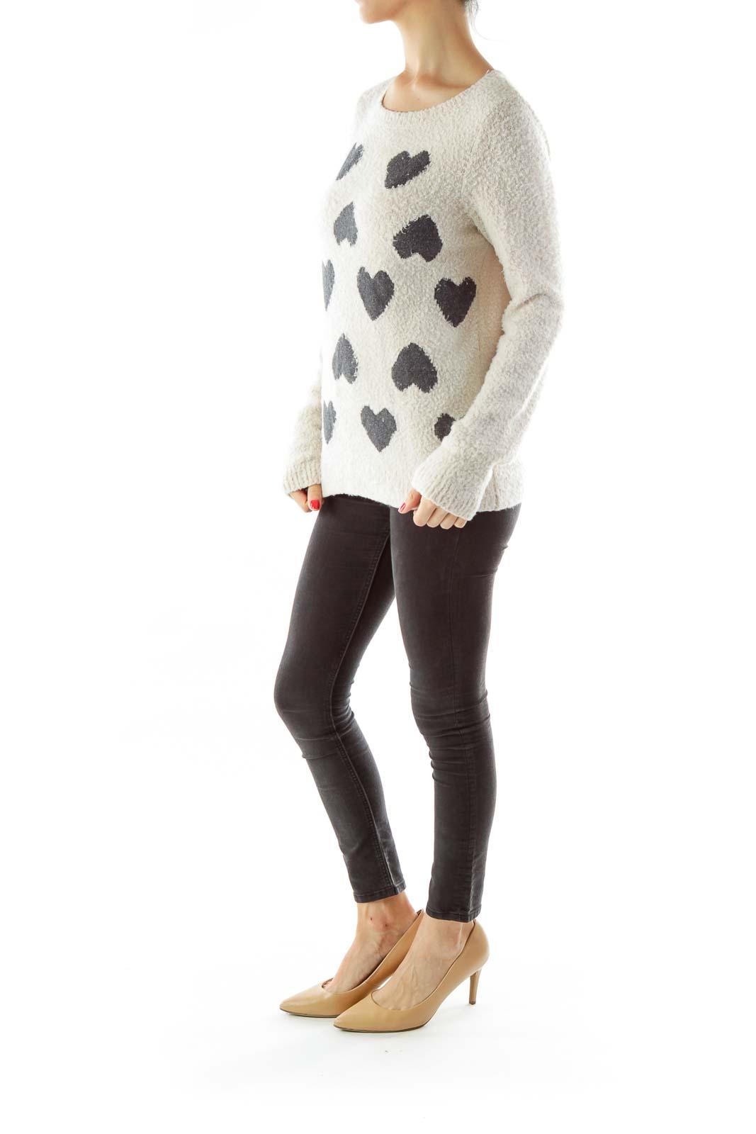 Beige Round Neck Heart Shape Pattern Sweater