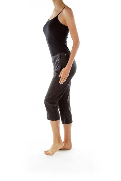 Black Pocketed Capri Pants