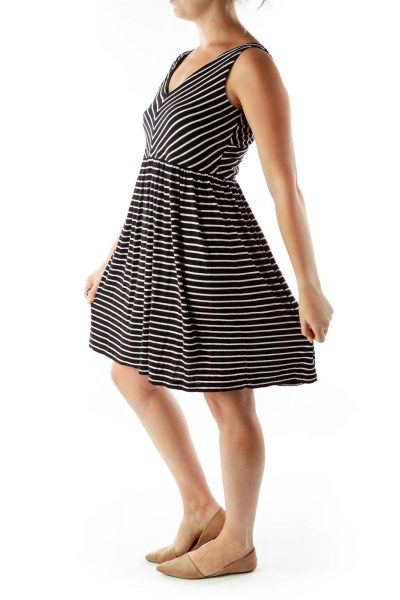 Black White Pinstripe V-neck Jersey Dress