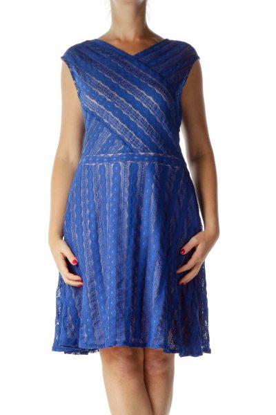Blue Lace V-Neck Cocktail Dress
