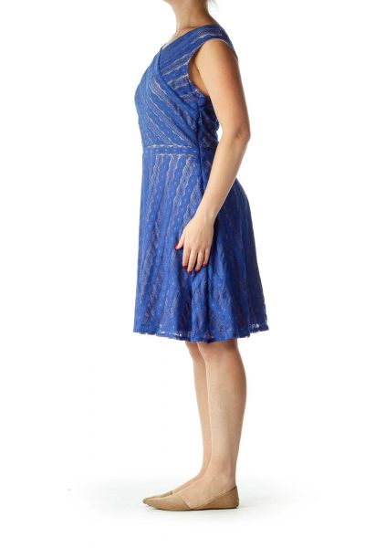 Blue Lace V-Neck Cocktail Dress