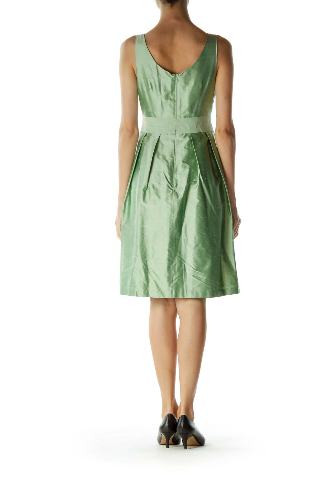 Green Boat Neck Sleeveless Cocktail Dress