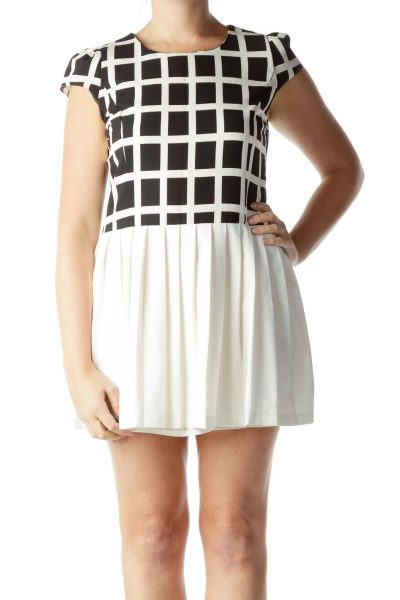 Black Cream Cap Sleeve Pleated Dress