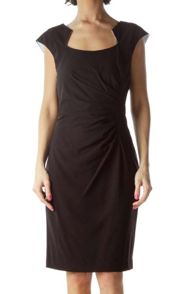 Black Sleeveless Fitted Dreass
